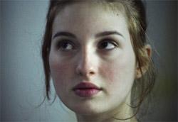 """Maria Valverde in <i>Melissa P.</i>"""" /><em>Melissa P. </em>, il film di Luca Guadagnino tratto dal romanzo <em>Cento colpi di spazzola prima di andare a dormire</em>, ha esordito col botto nel box office italiano, incassando quasi due milioni di euro con un'altissima media per sala e risultando la pellicola più vista del weekend. Supera ogni previsione anche <em>La marcia dei pinguini</em>, il documentario francese che supera il milione di euro e si instaura al secondo posto. Se al terzo, quarto e quinto posto resistono film già in sala da dieci giorni, subito dietro troviamo altre nuove pellicole, come <em>Lord of war</em> e <em>Il vento del perdono</em>.</p> <p>Ma la settimana si contraddistingue per l'altissimo numero di uscite, ben undici in totale, che si vanno a posizionare entro il quarantesimo posto. Tra questi l'unica buona media per sala è quella raggiunta da <em>Il sole</em> di Sokurov, mentre si segnala come <em>Fuori vena</em> sia uscito in un unico cinema in tutta Italia.</p> <p><strong>Box Office</strong> weekend 18-20 novembre 2005<br /> <strong>1</strong>   <em>Melissa P.</em>   <strong> 1.844.256 </strong>   (1.844.256)<br /> <strong>2</strong>   <em>La marcia dei pinguini</em>   <strong> 1.087.654 </strong>   (1.087.749)<br /> <strong>3</strong>   <em>La seconda notte di nozze</em>   <strong> 729.629 </strong>   (1.877.340)<br /> <strong>4</strong>   <em>I fratelli Grimm e l'incantevole strega</em>   <strong> 644.887 </strong>   (1.898.512)<br /> <strong>5</strong>   <em>Fightplan – Mistero in volo</em>   <strong> 636.434 </strong>   (4.519.936)<br /> <strong>6</strong>   <em>Lord of war</em>   <strong> 409.111 </strong>   (409.111)<br /> <strong>7</strong>   <em>Il vento del perdono</em>   <strong> 330.930 </strong>   (330.930)<br /> <strong>8</strong>   <em>The interpreter</em>   <strong> 295.995 </strong>   (5.271.130)<br /> <strong>9</strong>   <em>Crash – Contatto fisico</em>   <strong> 293.807 </strong>   (831.791)<br /> <strong>10</strong> """