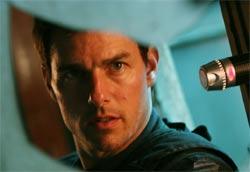 """Tom Cruise in <i>Mission: Impossible III</i>"""" /><em>Mission: Impossible III</em>, la terza parte della saga che vede ancora una volta Tom Cruise nei panni di Ethan Hunt, è passato subito in testa al box office nel weekend di uscita, superando così <em>L'era glaciale 2</em> che, dopo due settimane, passa al secondo posto. Per il film diretto da J.J. Abrams però, così come già successo negli Usa, si tratta di un incasso inferiore alle previsioni, vista la massiccia distribuzione nelle sale italiane. </p> <p>Al terzo e quarto posto continuano a incassare bene <em>Ti va di ballare?</em> e <em>Scary movie 4</em>, mentre al quinto arriva un'altra nuova entrata, <em>Romance & cigarettes</em> che, malgrado una distribuzione piuttosto risicata, ottiene un buon successo. Nella top ten troviamo infine un'altra nuova pellicola: si tratta dell'esordio di Kim Rossi Stuart alla regia con <em>Anche libero va bene</em>, che ottiene così un discreto risultato.</p> <p><strong>Box Office</strong> weekend 5 – 7 maggio 2006<br /> <strong>1</strong>   <em>Mission: Impossible III</em>   <strong> 2.373.843 </strong>   (12.136.072)<br /> <strong>2</strong>   <em>L'era glaciale 2</em>   <strong> 1.545.616 </strong>   (15.584.062)<br /> <strong>3</strong>   <em>Ti va di ballare?</em>   <strong> 763.055 </strong>   (3.181.588)<br /> <strong>4</strong>   <em>Scary movie 4</em>   <strong> 447.712 </strong>   (6.987.537)<br /> <strong>5</strong>   <em>Romance & cigarettes</em>   <strong> 305.410 </strong>   (305.410)<br /> <strong>6</strong>   <em>Inside man</em>   <strong> 229.080 </strong>   (6.542.670)<br /> <strong>7</strong>   <em>Firewall</em>   <strong> 181.201 </strong>   (970.243)<br /> <strong>8</strong>   <em>Il regista di matrimoni</em>   <strong> 146.256 </strong>   (1.598.764)<br /> <strong>9</strong>   <em>Anche libero va bene</em>   <strong> 144.272 </strong>   (144.356)<br /> <strong>10</strong>   <em>Rischio a due</em>   <strong> 130.468 </strong>   (746.946)</p> <p class="""