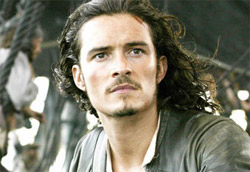 "Orlando Bloom in <i>Pirati dei Caraibi</i>"" />Più di sette milioni di euro, quasi dieci considerando anche gli incassi di mercoledi e giovedi. Solo <em>Il codice Da Vinci</em> e <em>Harry Potter e il calice di fuoco</em> hanno fatto meglio in Italia. <em>Pirati dei Caraibi: la maledizione del forziere fantasma</em>, che nel mondo ha già superato il miliardo di dollari di incasso totale, precede in classifica <em>Cars</em>, comunque in rialzo rispetto alla scorsa settimana, e la nuova entrata <em>The Queen</em>.</p> <p>Nella top ten entra anche <em>Il mercante di pietre</em>, mentre continuano a ottenere risultati superiori alle aspettative <em>Lucky Number Slevin</em> e <em>Thank You for Smoking</em>. Le altre due nuove pellicole finiscono invece al dodicesimo (<em>The Road to Guantanamo</em>) e ventiquattresimo posto (<em>L'orchestra di Piazza Vittorio</em>, uscito in sole tre copie).</p> <p><strong>Box Office</strong> weekend 15 – 17 settembre 2006<br /> <strong>1</strong>   <em>Pirati dei Caraibi: la maledizione del forziere fantasma</em>   <strong> 7.504.775 </strong>   (9.587.396)<br /> <strong>2</strong>   <em>Cars</em>   <strong> 1.197.120 </strong>   (11.202.533)<br /> <strong>3</strong>   <em>The Queen</em>   <strong> 635.316 </strong>   (635.316)<br /> <strong>4</strong>   <em>La stella che non c'è</em>   <strong> 618.729 </strong>   (1.498.620)<br /> <strong>5</strong>   <em>Superman Returns</em>   <strong> 519.509 </strong>   (5.076.280)<br /> <strong>6</strong>   <em>Il mercante di pietre</em>   <strong> 381.093 </strong>   (381.093)<br /> <strong>7</strong>   <em>Lucky Number Slevin</em>   <strong> 328.255 </strong>   (3.221.469)<br /> <strong>8</strong>   <em>Pulse</em>   <strong> 305.565 </strong>   (859.397)<br /> <strong>9</strong>   <em>Thank You for Smoking</em>   <strong> 197.866 </strong>   (966.391)<br /> <strong>10</strong>   <em>Garfield 2</em>   <strong> 93.092 </strong>   (3.122.841)</p> <p><strong>Altre</strong> nuove uscite<br /> <strong>12</strong> <em>The Road to Guantanamo</em>   <strong> 46.743 </strong><br /> <strong>24</strong> <em>L'orchestra di Piazza Vittorio</em>   <strong> 10.352 </strong></p> <p><strong>Media</strong> incassi per sala<br /> <strong>1</strong> <em>Pirati dei Caraibi: la maledizione del forziere fantasma</em>   <strong> 8.557 </strong><br /> <strong>2</strong> <em>The Queen</em>   <strong> 3.381 </strong><br /> <strong>3</strong> <em>Cars</em>   <strong> 3.381 </strong><br /> <strong>4</strong> <em>Lucky Number Slevin</em>   <strong> 2.378 </strong><br /> <strong>5</strong> <em>Thank You for Smoking</em>   <strong> 2.327 </strong></p> 				<p class="