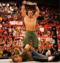 """A Milano, John Cena tra i fischi<br />solleva la cintura di campione"""" />Già nel 2004 con Hideout ci eravamo occupati di wrestling. <A href="""