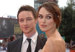 James McAvoy e Keira Knightley sulla passerella