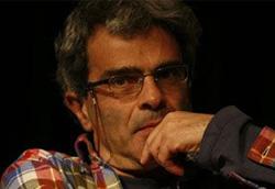 Aurelio Grimaldi durante la conferenza stampa per Se sarà luce sarà bellissimo