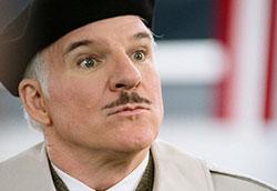 Steve Martin nei panni de l'Ispettore Clouseau ne La Pantera Rosa 2