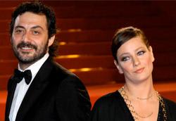 Fabrizio Timi e Giovanna Mezzogiorno su red carpet di Cannes