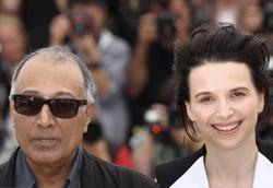 Abbas Kiarostami e Juliette Binoche sulla Croisette